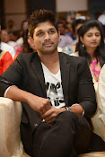 Allu Arjun Stylish Photos-thumbnail-8