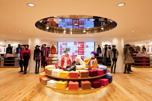Uniqlo Fifth Avenue New York Round Table