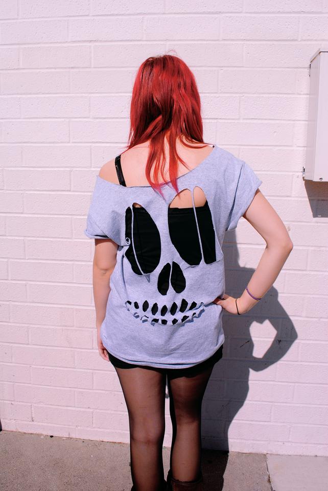 http://4.bp.blogspot.com/-dR0WKD9MVio/T4H4_PB1ywI/AAAAAAAAAeo/r8vETCoglgI/s1600/skull.jpg