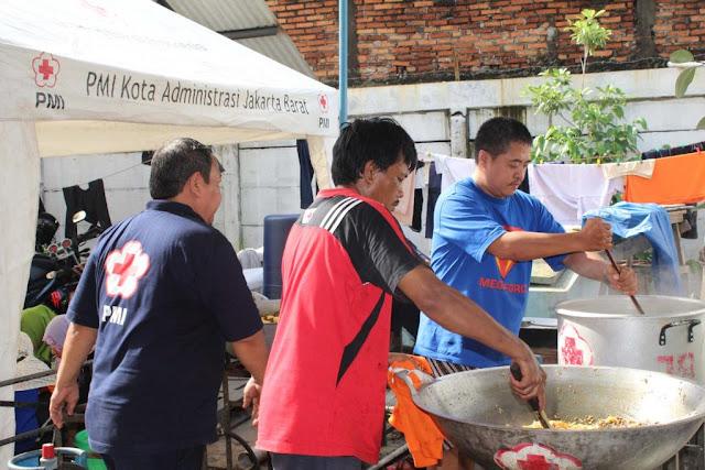 PMI Mendirikan DU untuk korban banjir di Jakarta barat.