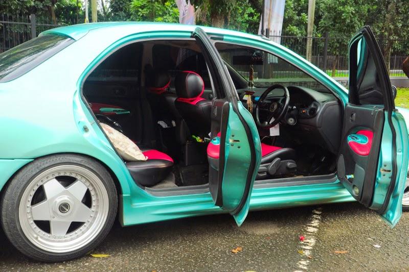 modifikasi interior mobil ford laser