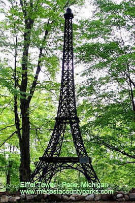 Torre Eiffel. París, Michigan