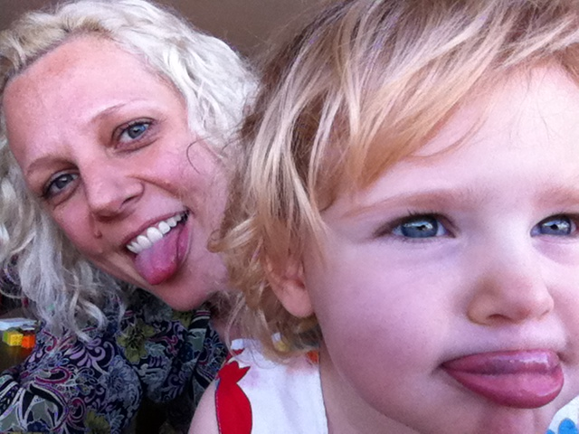 Rebecca is an expat mum who loves to make things with - and for - her daughter Elise