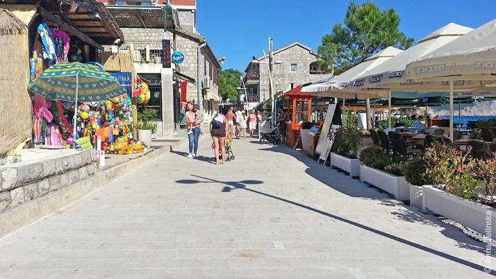 Кафе и магазины в Петроваце