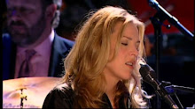 "Diana Krall performs ""Maybe You'll Be There"" live in Paris with Paris Symphony Orchestra 2001."