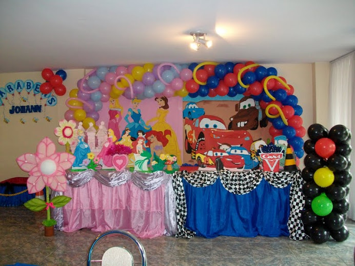 festa mista Princesas e carros