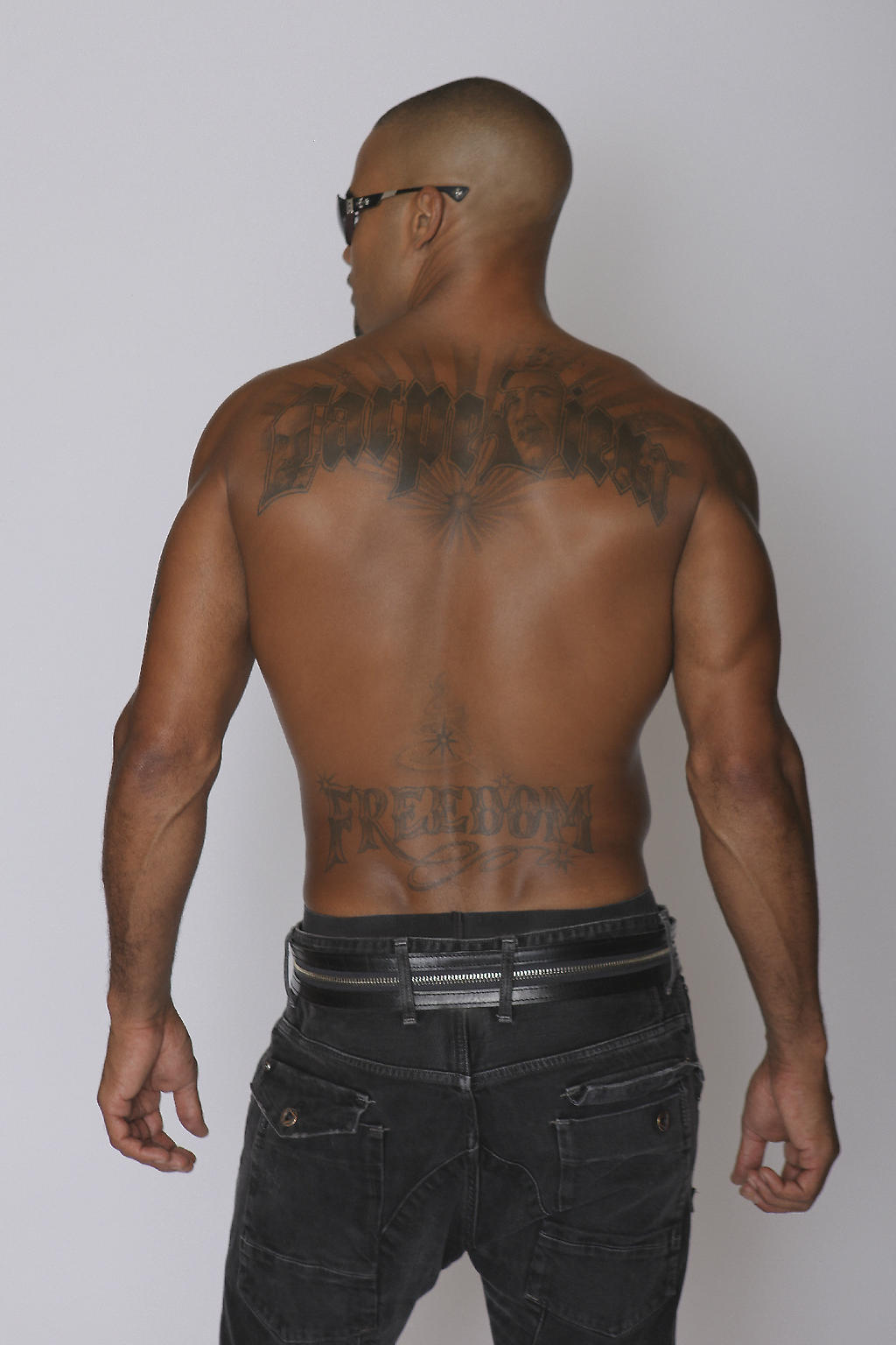 Rule Turner New-tattoo-shemar-moore-aug18-2012-My+new+tattoo.+Carpe+Diem+means+Seize+The+Day.Obama,+MLK,+Malcolm+X+are+in+the+letters.+My+Heroes!
