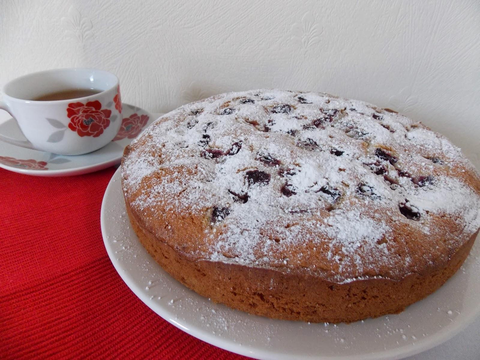 pearls of baking spelt flour cherry cake