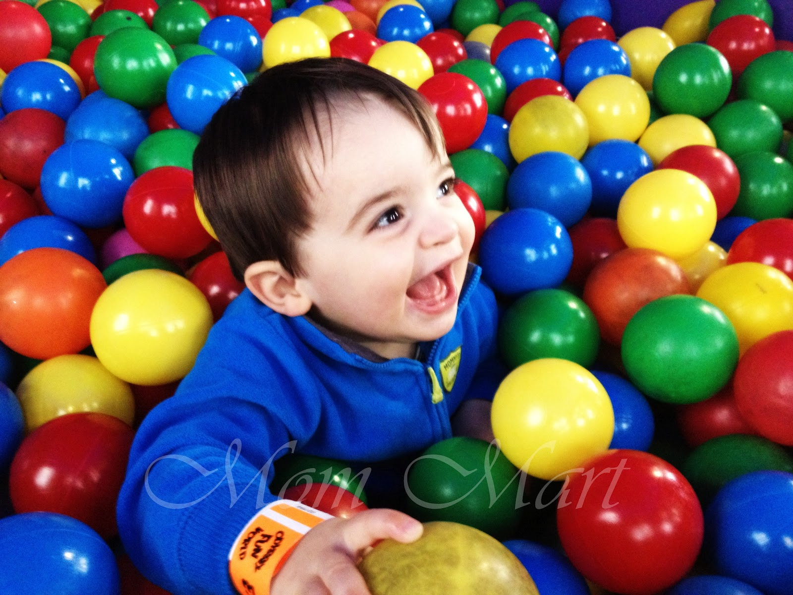 Mom mart wordless wednesday it a fun fun world for Ball pits near me