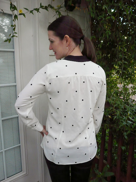 Dotted silk crepe de chine blouse with contrasting placket, made with fabric from Mood Fabrics and Vogue pattern 132