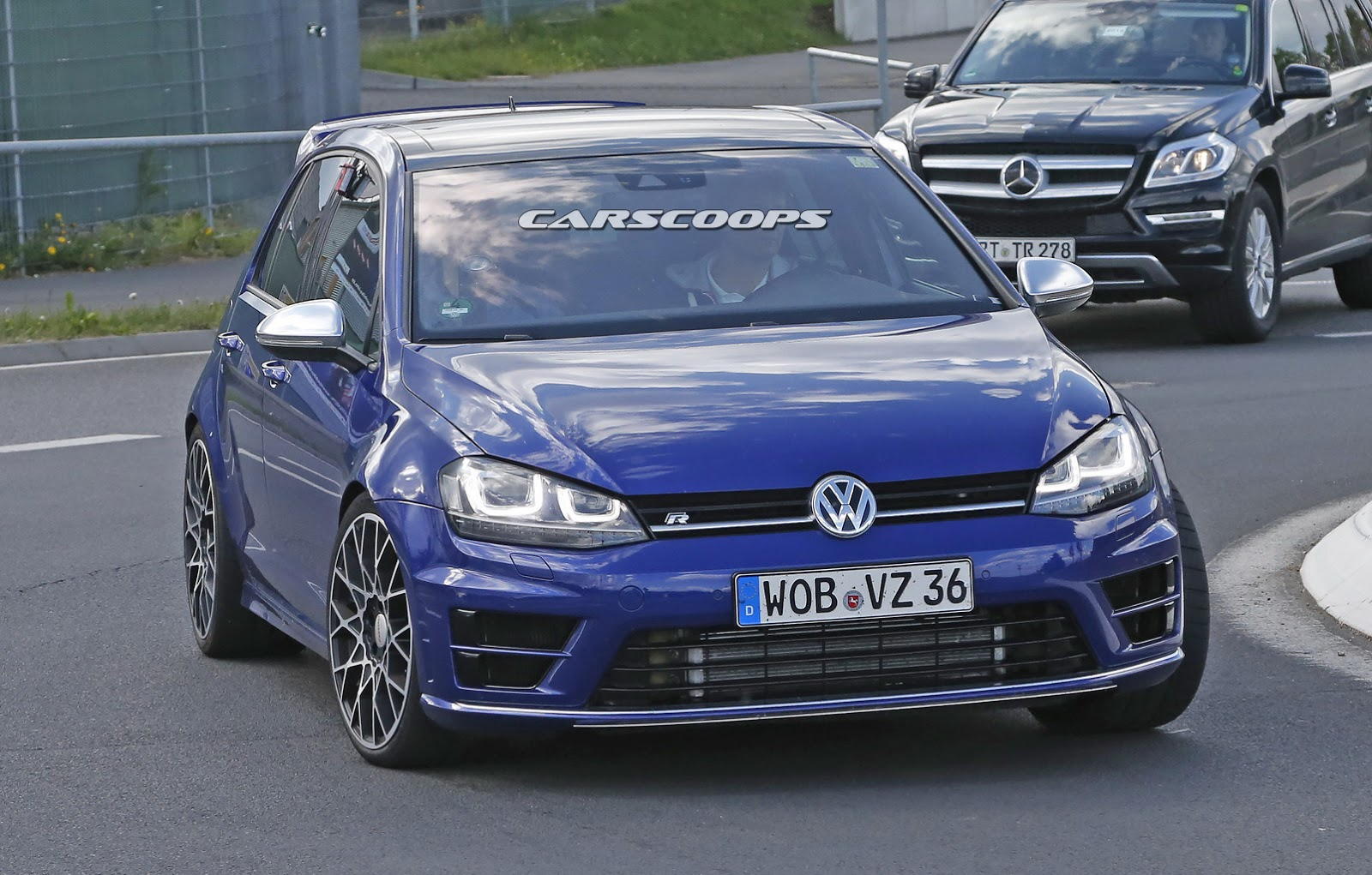 New-VW-Golf-R400-2.jpg