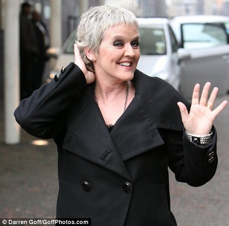 Hair Chemotherapy on Feelgood Scarves  Bernie Nolan Looking Good After Chemo Hair Loss