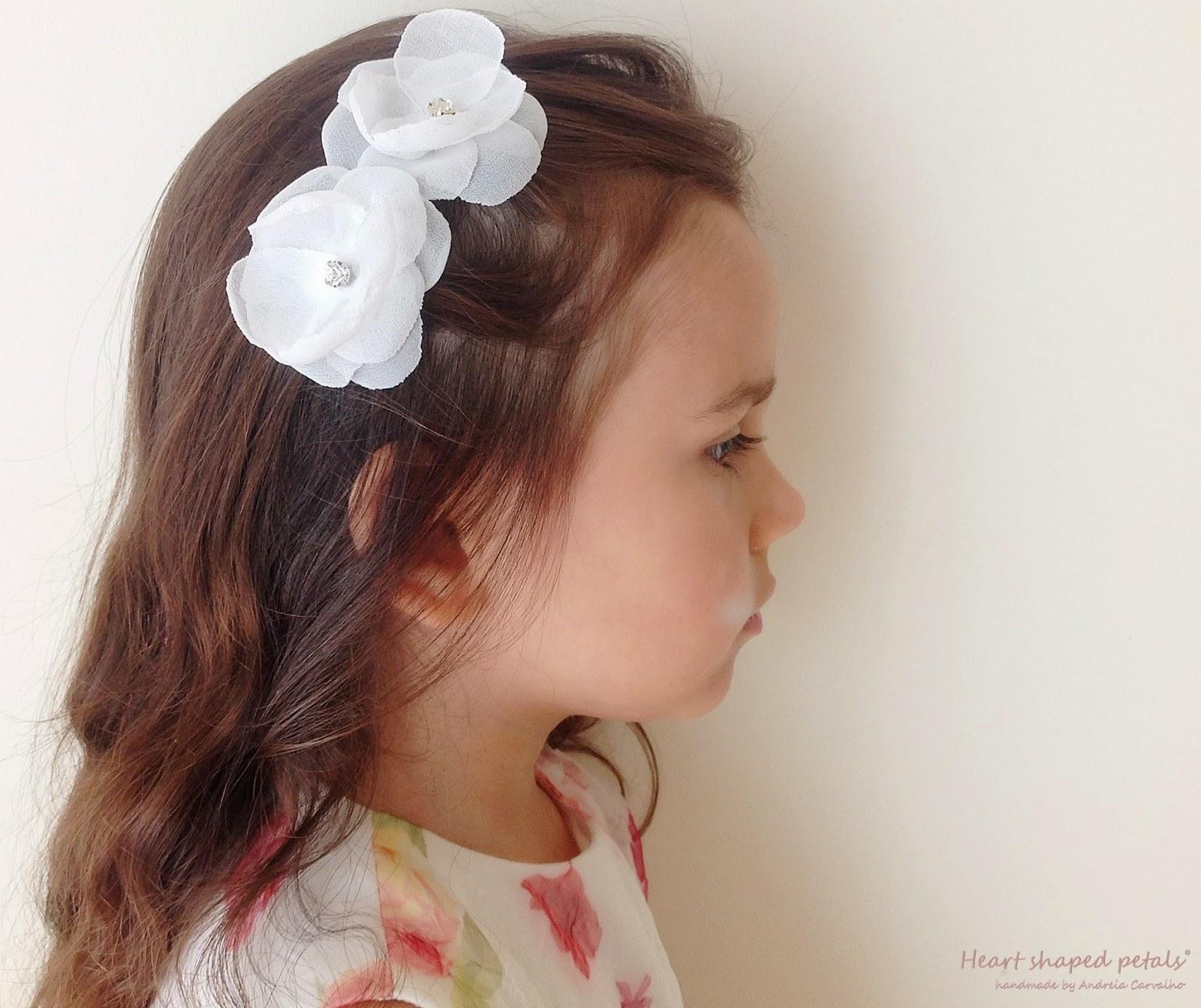 flores cabelo meninas das alianças