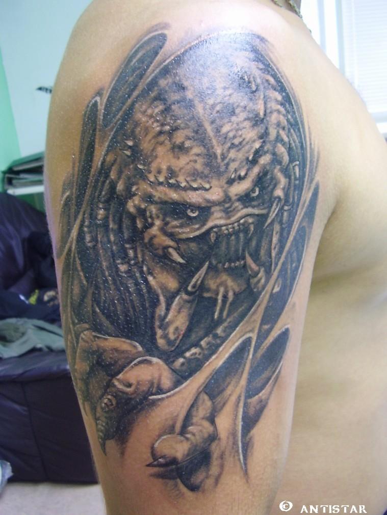 alien vs predator tattoo best art designs. Black Bedroom Furniture Sets. Home Design Ideas