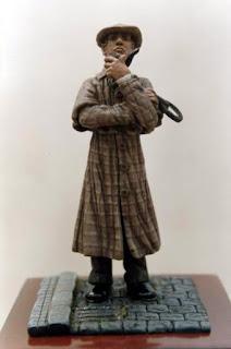 Miniatura que representa a Sherlock Holmes esculpida y pintada por ªRU-MOR