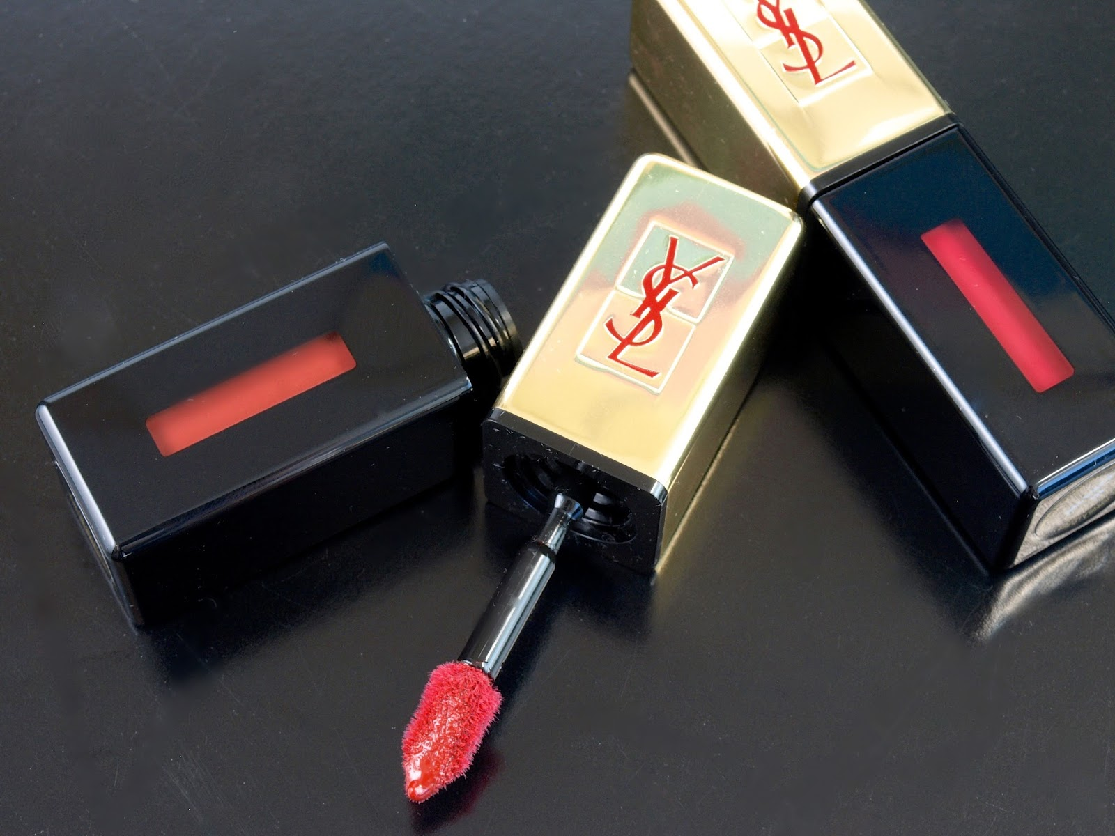 "YSL Yves Saint Laurent Rouge Pur Couture Glossy Stain in ""28 Grenat Acrylique"" & ""10 Rouge Philtre"": Swatches and Review"