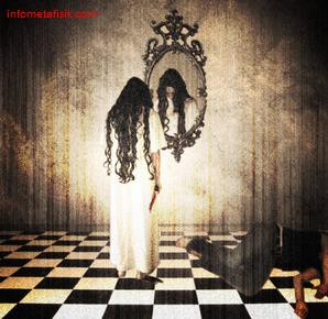 Kisah Mistis : Si Cantik Penunggu Cermin
