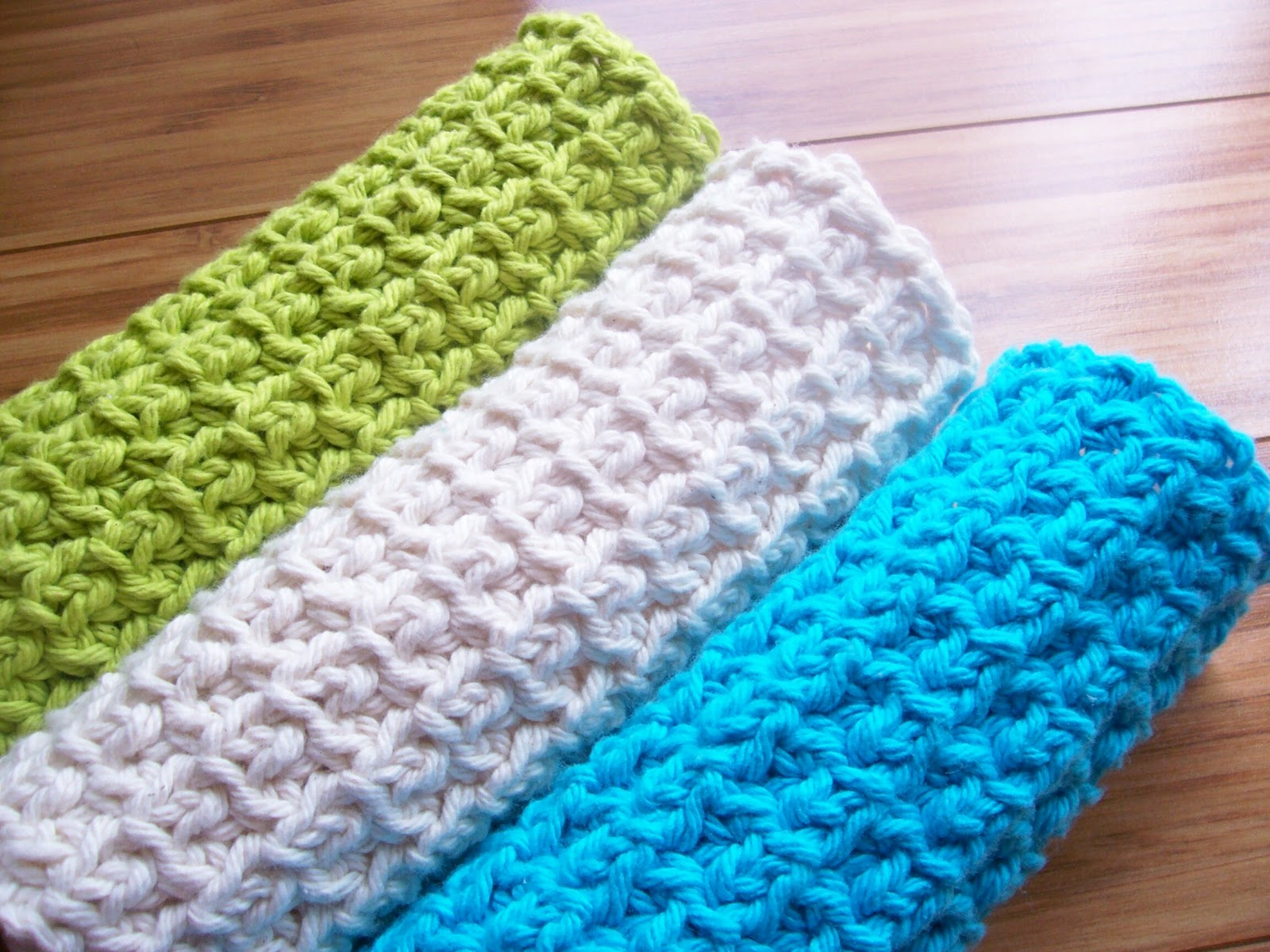 22 Threads: Little Knots Spa Cloth Crochet Pattern