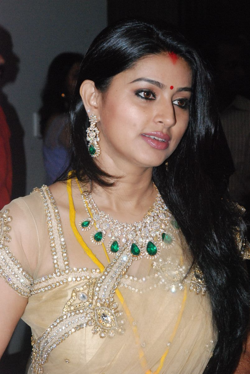 Sneha Prasanna Latest Photos