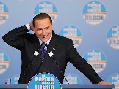 Berlusconi, miembro de la logia masónica P2 (Propaganda Due) Sb_6