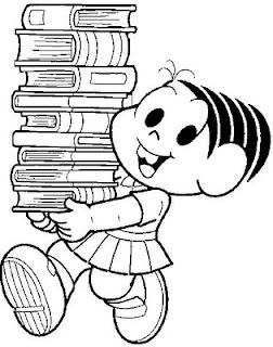 Monica com livros