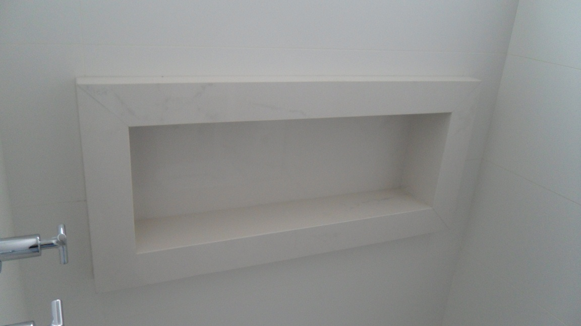 Bel Taglio , cortes especiais em porcelanato Banheiro com nichos moldura sa -> Nicho Banheiro Em Porcelanato
