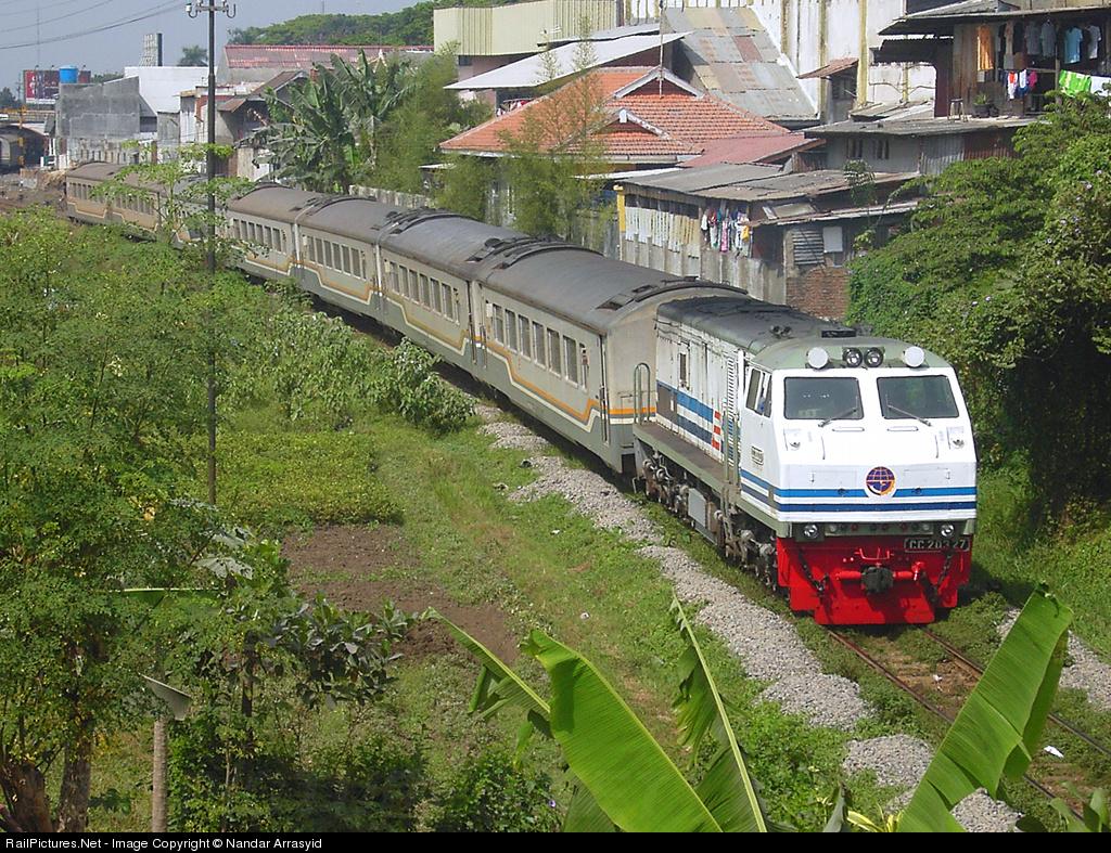 Kereta Gajayana