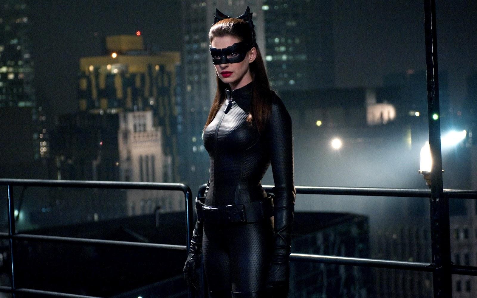 http://4.bp.blogspot.com/-dU1xHe24RyA/UArRouLjB7I/AAAAAAAAC-I/CzIFSQA78HM/s1600/Catwoman_Leather_Costume_Anne_Hathaway_HD_Wallpaper-Vvallpaper.Net.jpg