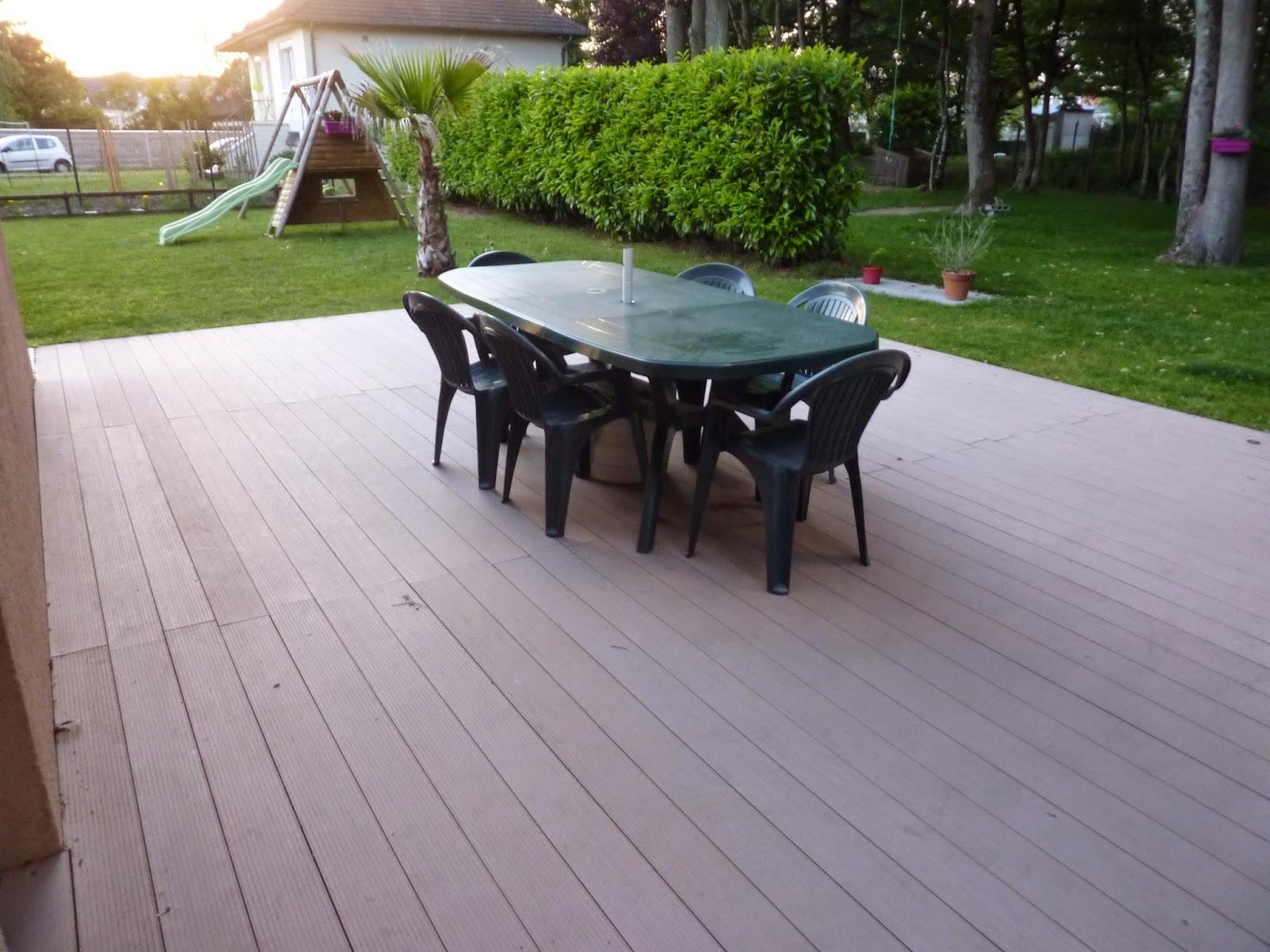 construire une terrasse en composite presentation. Black Bedroom Furniture Sets. Home Design Ideas