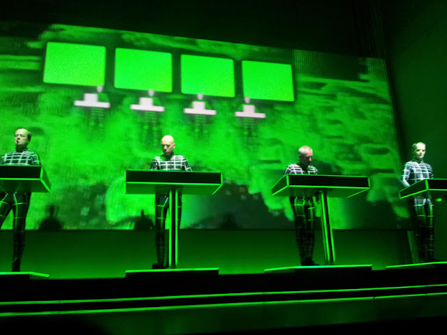 Kraftwerk joue Expo 2000, Kunstsammlung NRW, Düsseldorf / photo S. Mazars