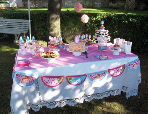 Lilibaby decoracion de sapos y princesas for Decoracion de mesas dulces infantiles