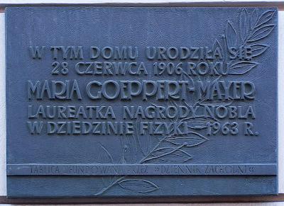 Tablica pamiątkowa na domu, w którym urodziła się Maria Goeppert-Mayer. CC-BY-SA Lestat, Wikipedia