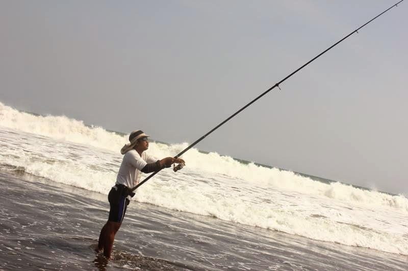 Surf Casting : Mancing Pasiran Di pantai Yogyakarta