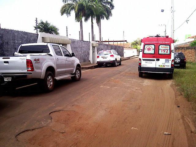 IMAGEM - Ambulância do SAMU de plantão para atender a Governadora do Maranhão, Roseana Sarney, em Bacabal