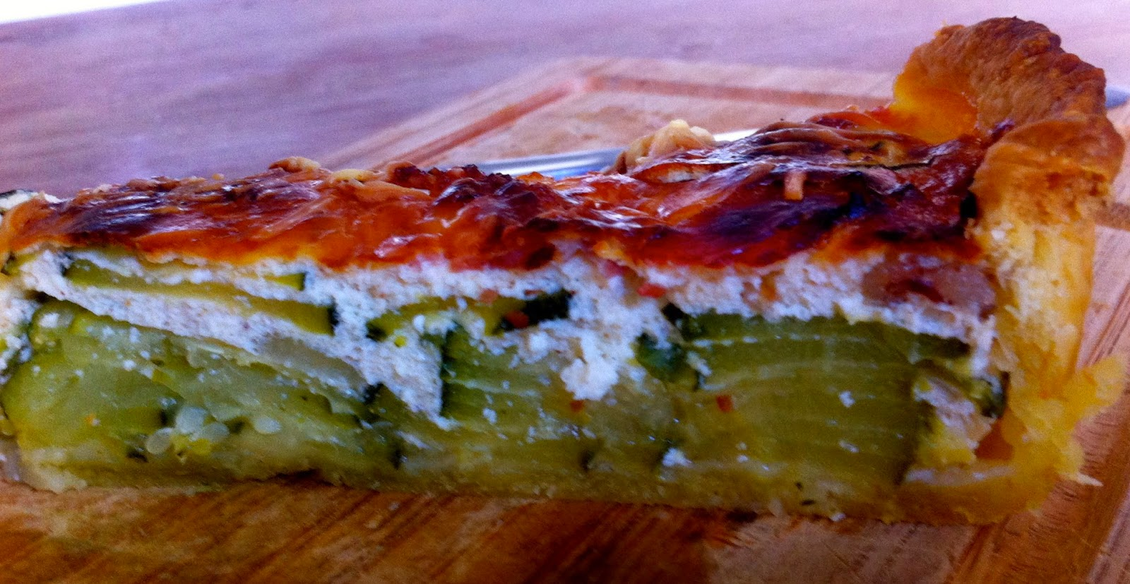 sale, tarte, courgette, ricotta, bacon, fromage blanc,
