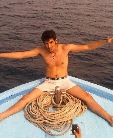 boy hamzah shirtless body hot