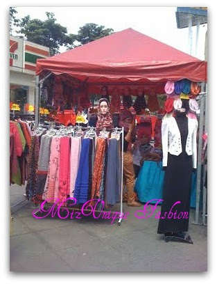 Booth Mizunique Fashion