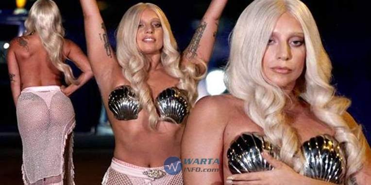 Photo Hot seksi Seronok Ladi Gaga selebriti hollywood yang suka vulgar di instagram