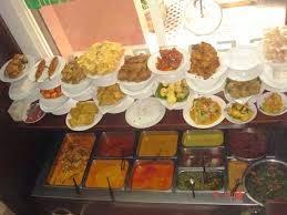 Peluang Usaha Kuliner Rumah Makan Padang Laris Manis