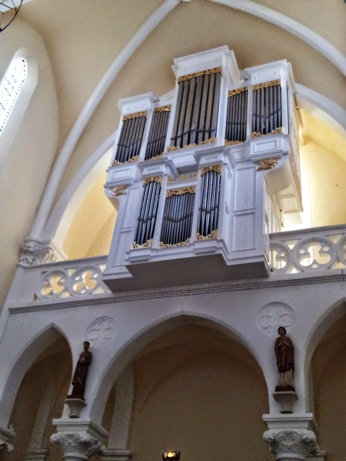 L'orgue de l'église St Joseph de Castries