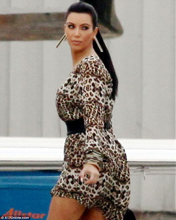 Photo trick kim kardashian photos in las vegas 2011 for 22 thai cuisine maiden lane