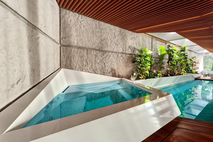 Hot tub in Ultra Modern House by architekti.sk, Slovakia