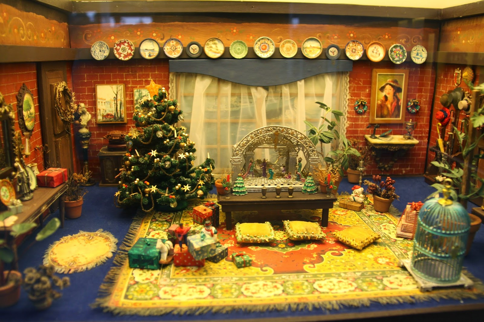 Christmas Room: Miniature Museum