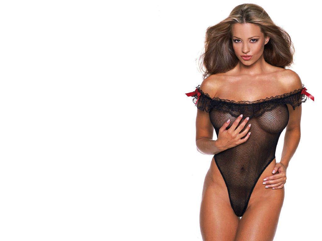фото девушки в нижнем прозрачном бельем