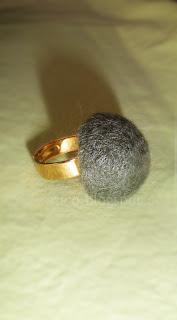 Χειροποίητο δαχτυλίδι από λαδί felt