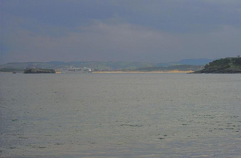 Ferry entrando a la Bahia de Santander