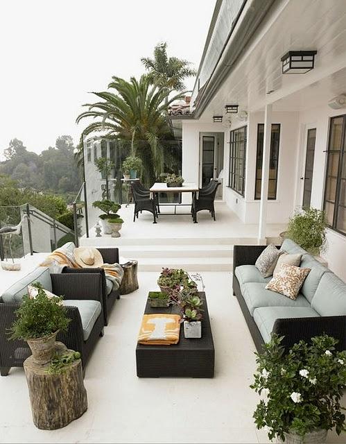 Decorando y renovando jardines y terrazas con encanto - Jardines en terrazas pequenas ...