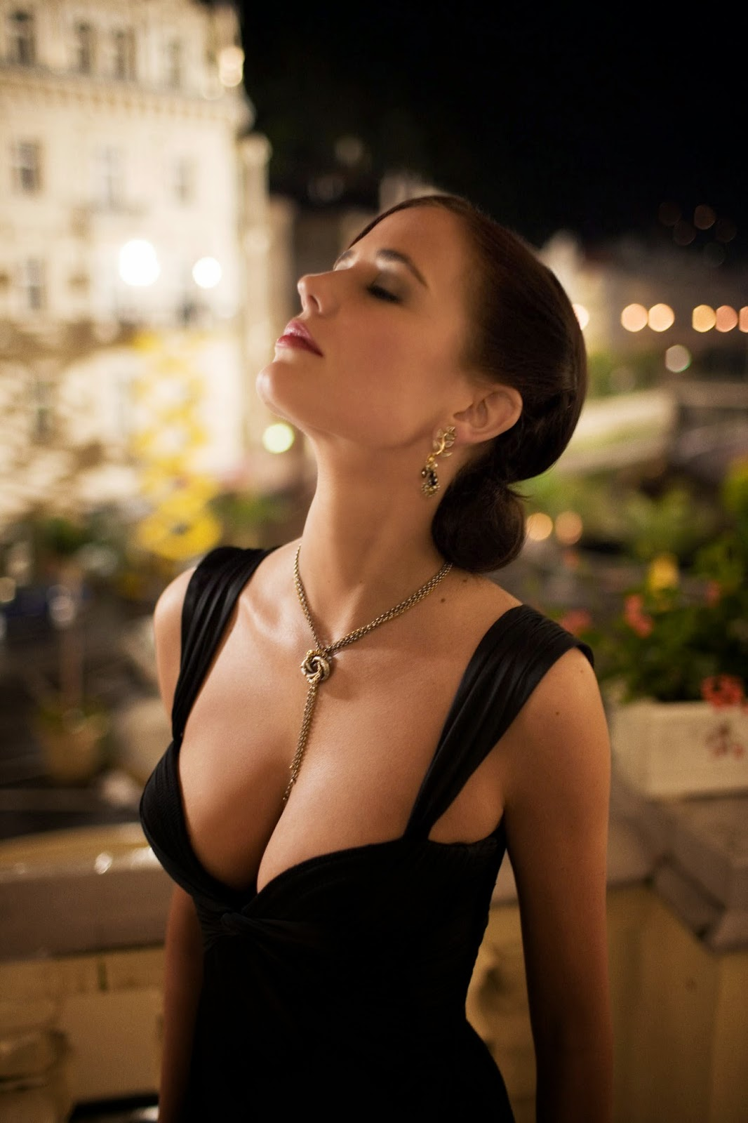 casino royale free online movie sitzling hot