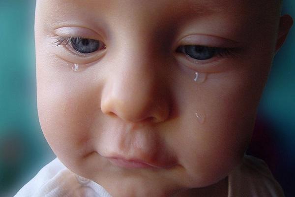 Photo bébé qui pleure