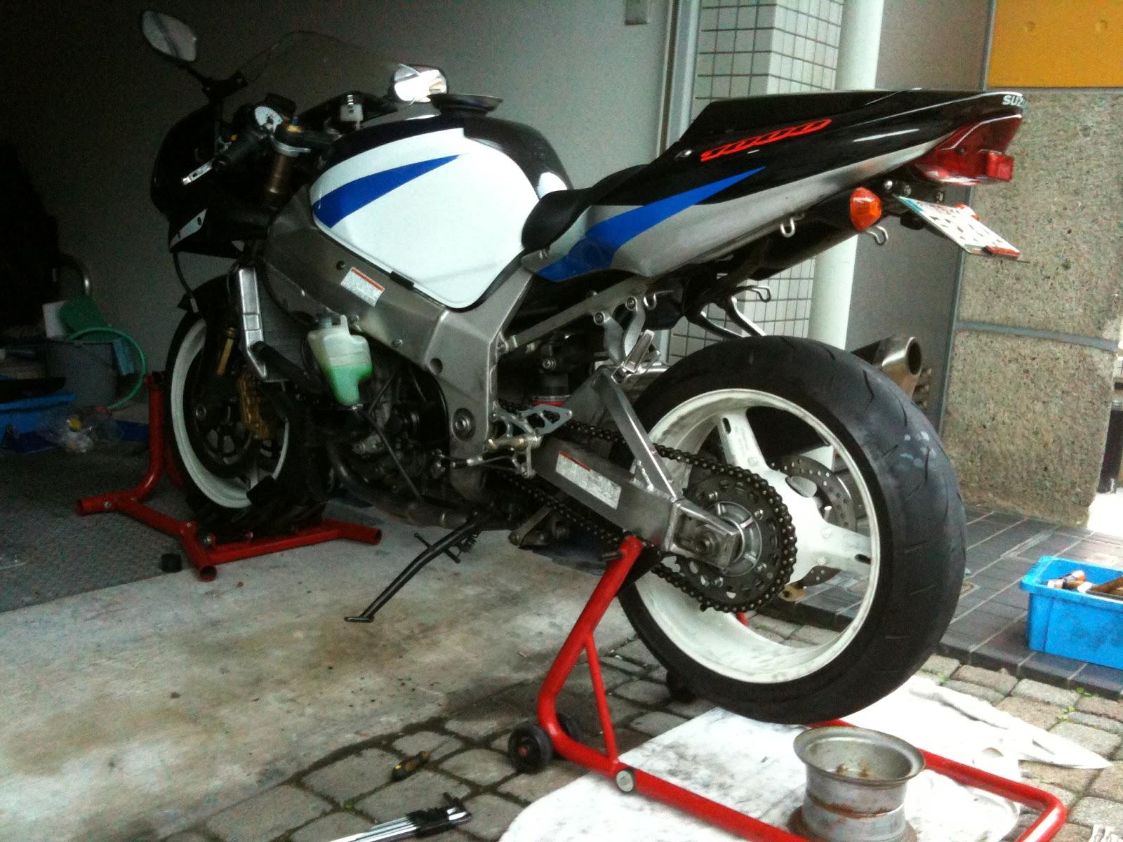 GSX-R1000 '02リアビュー